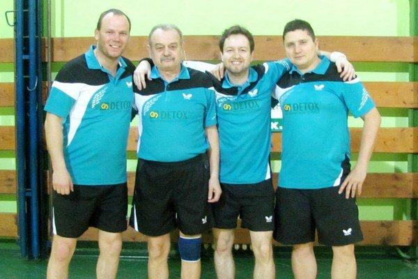 Stolní tenisti STK Plešivec si v novej sezóne vyskúšajú účinkovanie v IV. lige.