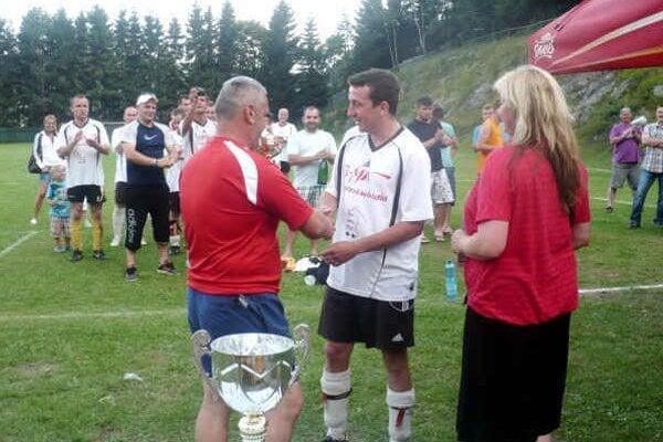 Víťazná premiéra. Jablonovčania vyhrali turnaj v Dedinkách.