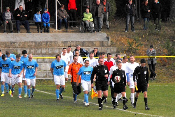Derby. V ostatnom meraní síl si v sezóne 2013/2014 odviezli Polomčania z Krh. Podhradia bod.