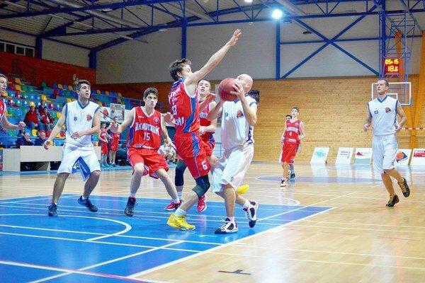 Prvé víťazstvo. Na prvé víťazstvo museli rožňavskí basketbalisti čakať až do siedmeho kola II. ligy.
