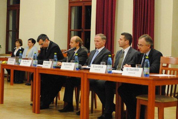 Mestskí poslanci rozhodnú o členoch v jednotlivých komisiách.
