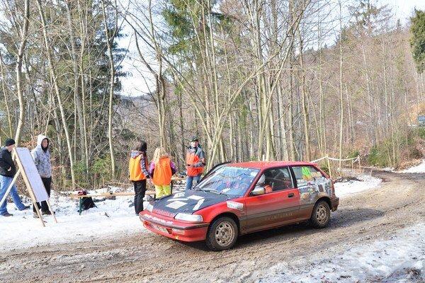 Vlčia dolina – Podkova. Táto rýchlostná skúška Dobšinskej zimy je lákadlom pre mnohé posádky.