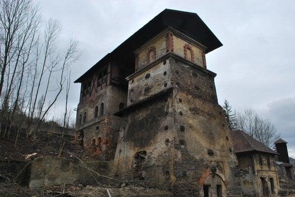 Zničená pec Etelka. Takto vyzerá momentálne ruina historickej pamiatky.