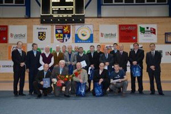 Medzi ocenenými boli minulí aj súčasní hráči a funkcionári.