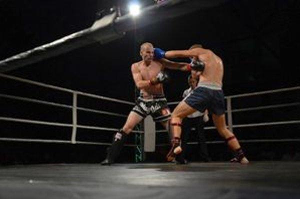 Noc bojovníkov. Kickbox mal v Rožňave premiéru počas septembrovej Noci bojovníkov.
