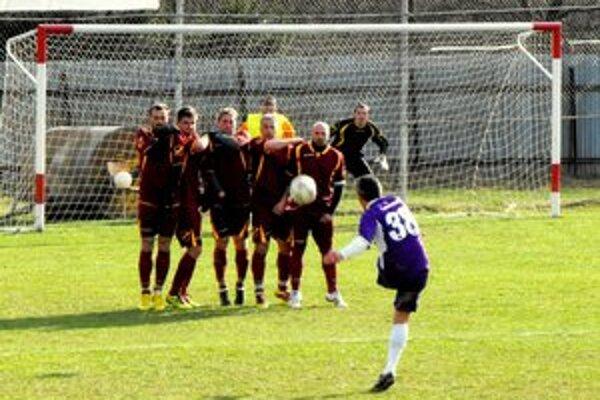 Ako to už dopredu ohlásil, hral Miloš Gallo v drese s číslom 38.