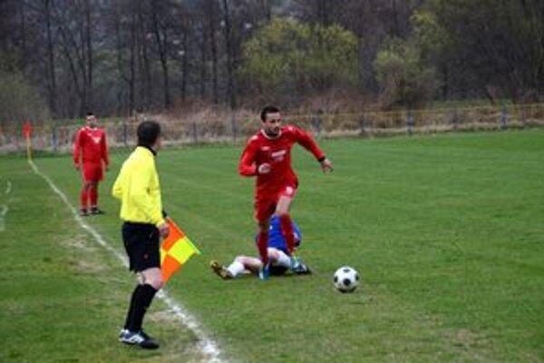Verí vo víťazstvo. Kanonier SP MFK Rožňava F. Pollák sa pozerá na najbližší zápas s optimizmom.