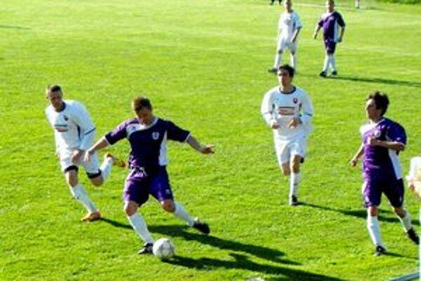 Posily sa činili. Autorom tretieho gólu bol Maroš Gallo (s loptou), Miloš Gallo trikrát asistoval.