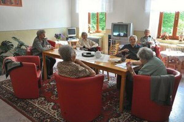 Zariadenie opatrovateľskej starostlivostiKlientmi sú starší osamelí občania.