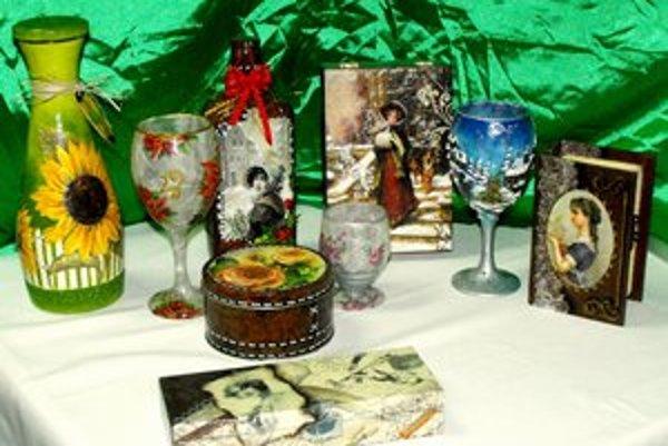 Decoupage. Rôzne dekoračné predmety.