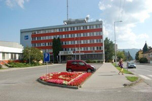 Mestský úrad. V deň volieb tu bude zasadať mestská volebná komisia.