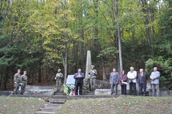 68. výročie leteckej tragédie. Spomínalo sa na padlých vojakov.