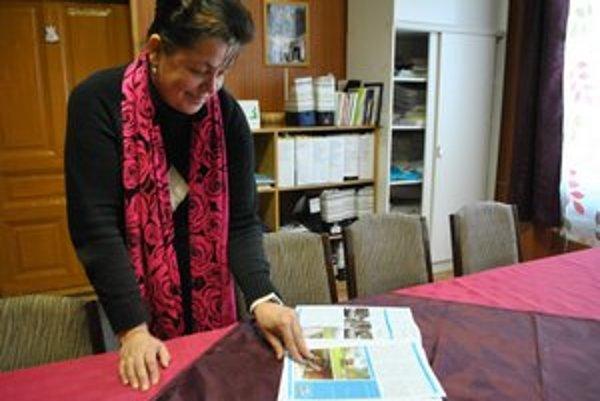 Starostka a šéfredaktorka. Vďaka nadšencovi z Čiech vydávajú obecné noviny vo farbe.