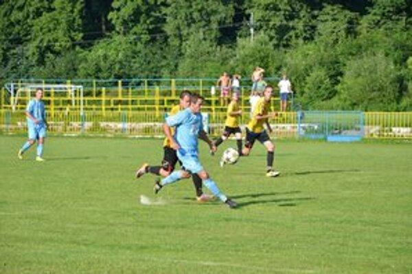 Uzavrel sezónu. O posledný gól Rožňavy v sezóne sa postaral Jaroslav Figúr.