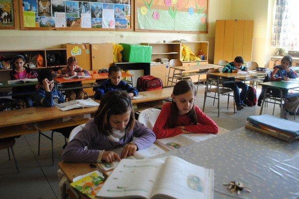 Zrušená ZŠ S. Tomášika. Dnes už je minulosťou, žiakov prerozdelili medzi ostatné ZŠ v meste.