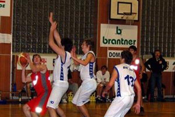 Od začiatku trápia rožňavských basketbalistov zranenia. Aktuálne majú zdravého len jedného pivota.