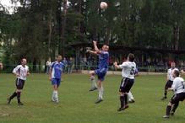 Zaskočili lídra. Futbalisti ŠK Jablonov n/T v úvode zaskočili lídra z Betliara a ujali sa vedenia.