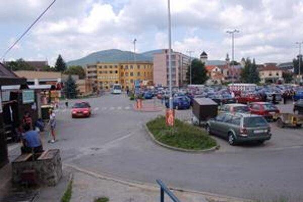 Doprava aj pohyb chodcov sú prehustené už teraz a podľa riaditeľa Eurobusu je situácia miestami nebezpečná.