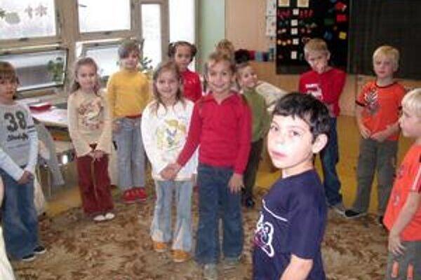 Školáci. Cieľom projektu je zvýšiť deťom prísun ovocia aj zeleniny.