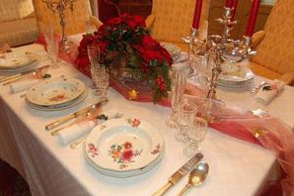 So zbierkovými predmetmi. V betliarskom kaštieli ukázali aj vianočné stolovanie.