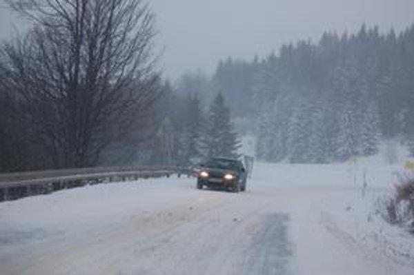 Cesty. Ich údržba má počas zimnej sezóny určitú postupnosť.