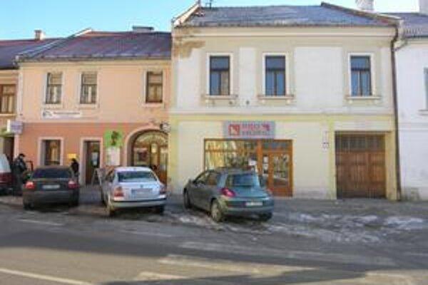 Rožňava. Odpredaj majetku mesta by mal Rožňave dopomôcť dokončiť už rozbehnuté projekty.