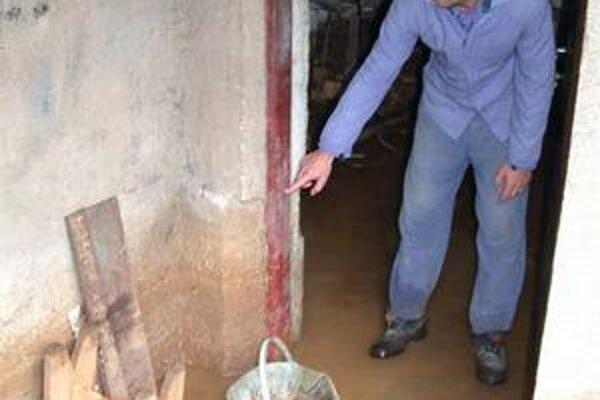 Povodne. Po odstránení vody zo zaplavených častí domov je potrebná dezinfekcia týchto priestorov.