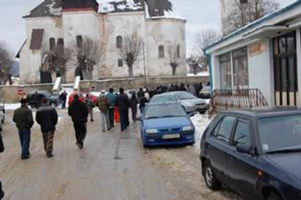 Kotlebovci v Kameňanoch. V obci sa pohli ľady po zhromaždení, ktoré zorganizovali extrémisti.
