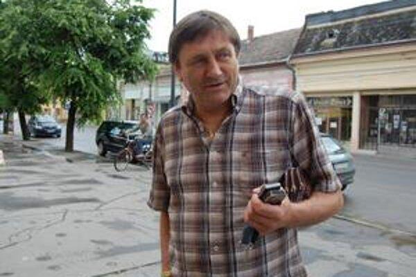 Prednosta. Ján Marcinek hovorí, že žiadna kontrola na úrade nebola, inak by o nej existoval oficiálny záznam.