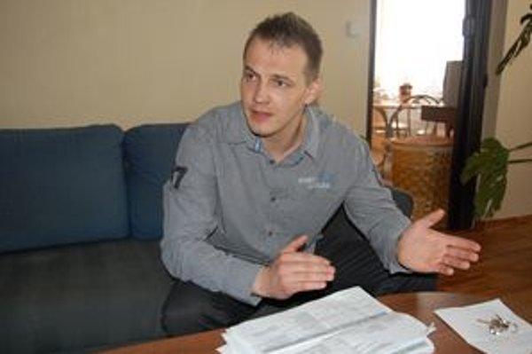 Ladislav Lipták. Hovorí, že jeho osobné údaje boli zneužité.