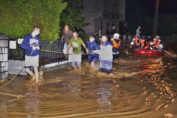 Dramatická povodňová noc v Raslaviciach.