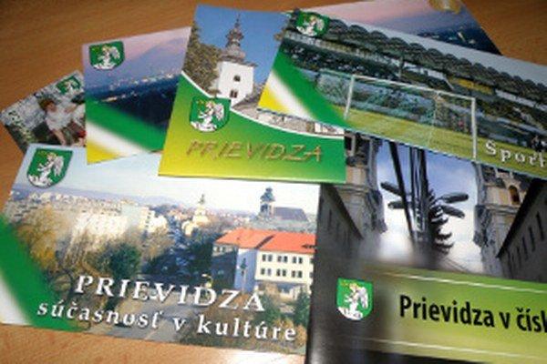 Erb Prievidze sa môže objavovať na propagačných materiáloch vydávaných mestom.