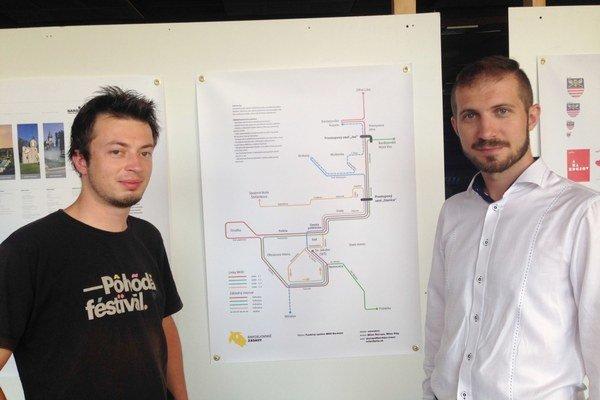 Milan Škorupa a Milan Pilip. Autori návrhu na prezentácii Bardejovské zásahy.