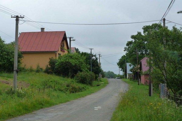 Ondavka. Problémom dedinky, v ktorej pramení Ondava, ostávajú astronomické dlhy.