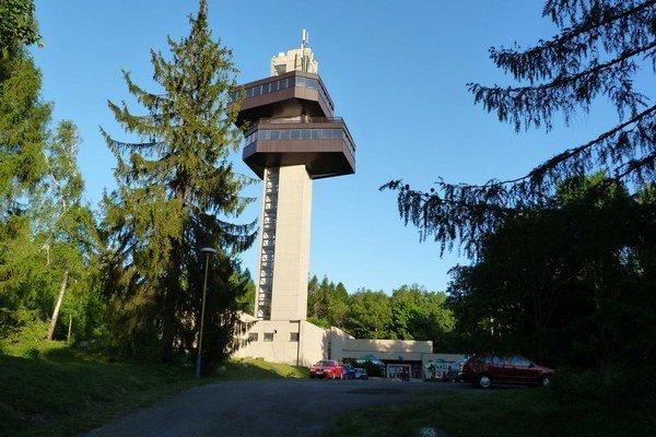 Na dukliansku vežu sa dostanú návštevníci v sobotu aj večer.
