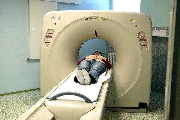 CT prístroje zobrazujú vnútorné orgány pomocou röntgenových lúčov.