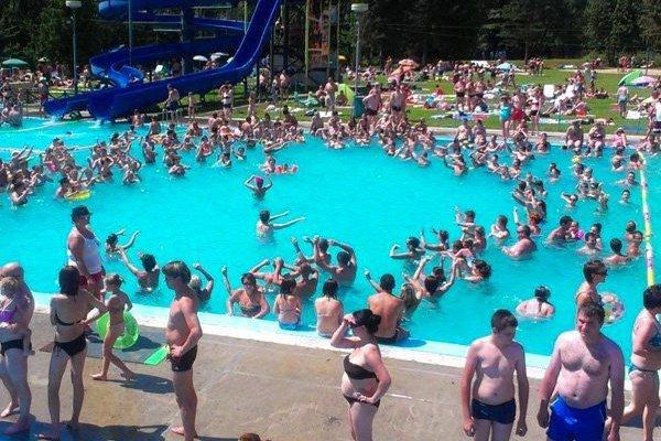 Oddych. Ľudia vo Svidníku majú na relax pri vode ideálne podmienky.