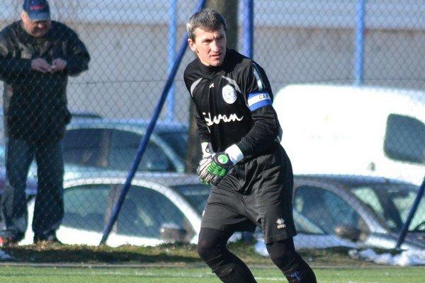 Brankár. Štefanik je oporou giraltovských futbalistov.FOTO: RA