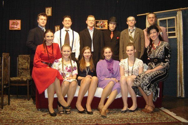 Kľušovskí ochotníci. Novodobé divadlo funguje v Kľušove už sedemnásť rokov.