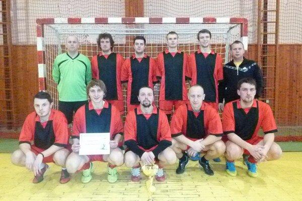 Víťazné družstvo. Hráči Bartošoviec triumfovali.