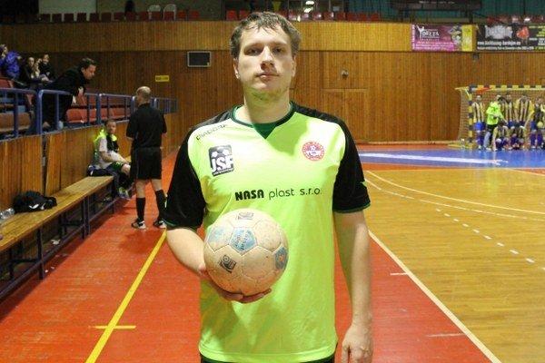 Hrajúci tréner Hrabčák. Líder druholigových futsalistov.