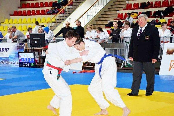 Daniel Mlynarič (vľavo). Vo svojej kategórii nemá doma konkurenciu.