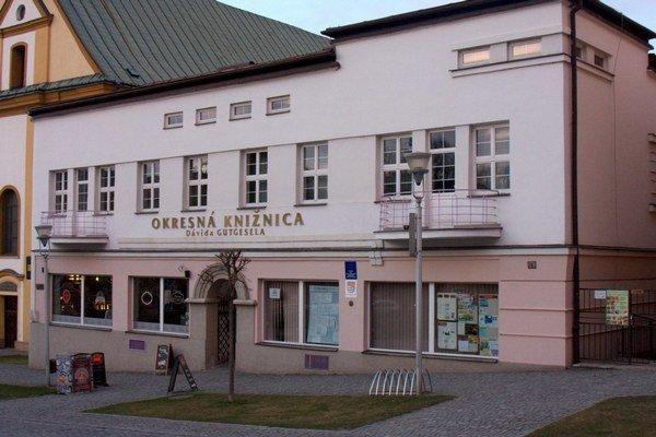Bardejovská knižnica. Je spojená s najstaršou slovenskou tlačenou knihou.