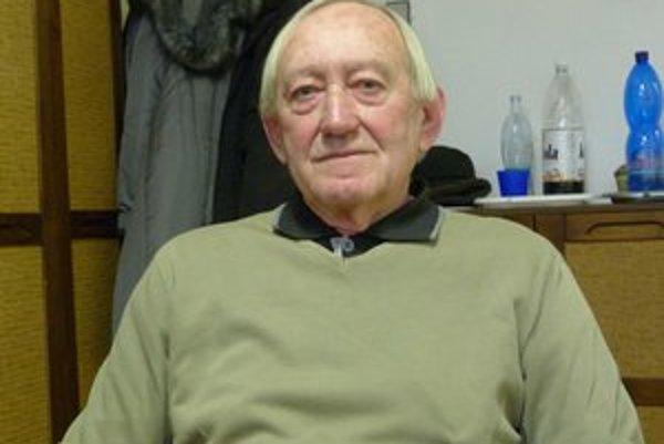 Jozef Leľo. Dlhoročný kronikár mesta prišiel s myšlienkou obnoviť centrum Svidníka   pomníkom, ktorý bol v tridsiatych rokoch jeho dominantou.