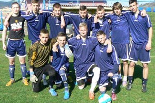 Vybojovali si postup. Futbalisti Spojenej školy na Štefánikovej ulici.