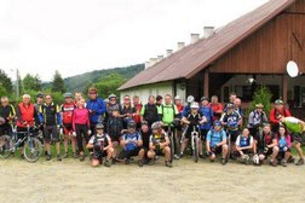 Účastníci cyklotúry Radoczyna. Akcia sa konala 2. júna 2013.