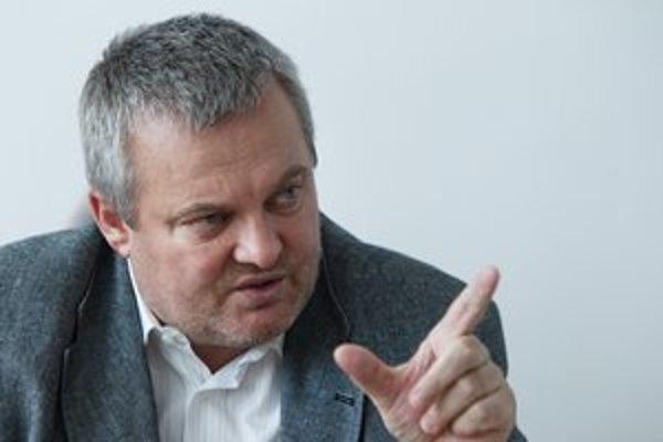 Daniel Žitňan  je riaditeľom  Detskej fakultnej nemocnice  v Bratislave od roku 2006, riadil ju aj v rokoch 1995 až 1999. Bol tiež šéfom Fakultnej nemocnice akademika L. Dérera na Kramároch. Počas druhej vlády Mikuláša Dzurindu robil poradcu ministra