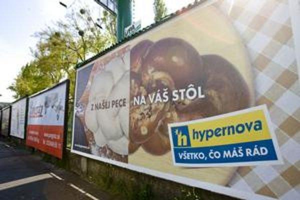 Hypernova zdôrazňuje, že pečie vo vlastnej peci. Lidl si dal označenie predajňa s pecou zaregistrovať na Úrade priemyselného vlastníctva.