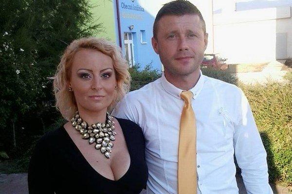 S manželkou Janou sa teší dvom synom. Vľavo vo futsalovom drese Angels Humenné.