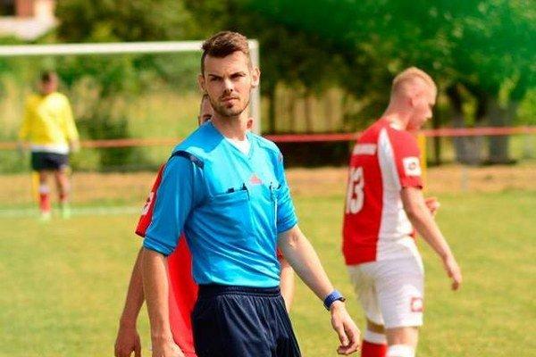 Mladý rozhodca zUdavského. Pavol Greško aktuálne rozhoduje nielen zápasy VsFZ, ale aj mládežnícke SFZ.